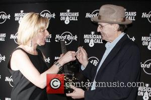 James Taylor and Guest The 5th annual Musicians on Call benefit concert and auction at the Hard Rock Cafe New...