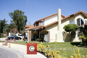 Atmosphere Octuplet mom Nadya Suleman, with the help of her father, Ed Doud, has just purchased this home for her...