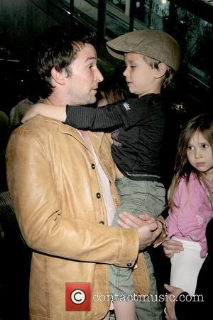 Noah Wyle, Owen Wyle and Auden Wyle Noah Wyle and family arriving at LAX  Los Angeles, California - 29.04.09