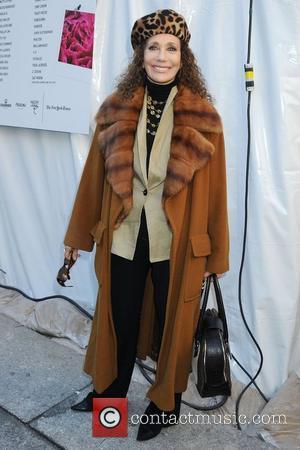 Marisa Berenson Mercedes-Benz IMG New York Fashion Week Fall 2009 - Diane von Furstenberg - Outside Arrivals New York City,...