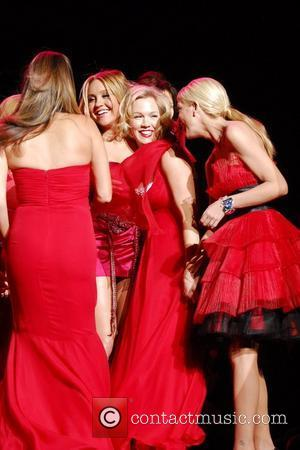 Amanda Bynes, Jennie Garth and Tori Spelling Mercedes-Benz IMG New York Fashion Week Fall 2009 - The Heart Truth's Red...