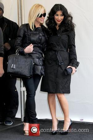 Kellie Pickler and Kim Kardashian Mercedes-Benz IMG New York Fashion Week Fall 2009 - Tracy Reese - Outside Arrivals New...