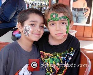 'Octomom' aka Nadya Suleman takes her kids to Knott's Berry Farm Los Angeles, California - 14.03.09