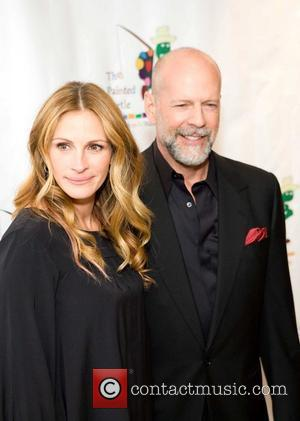 Julia Roberts and Bruce Willis