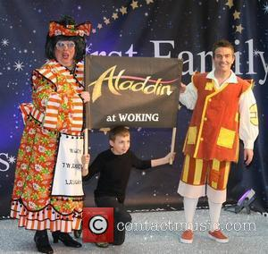 Actor, Bradley Walsh Celebrities Promote Panto Season at the O2 Centre - Photocall London, England - 19.11.08
