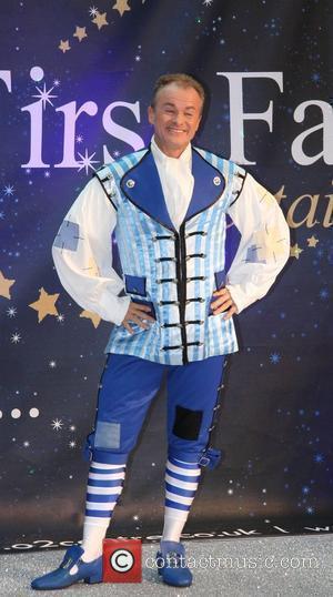 Bobby Davro Celebrities Promote Panto Season at the O2 Centre - Photocall London, England - 19.11.08
