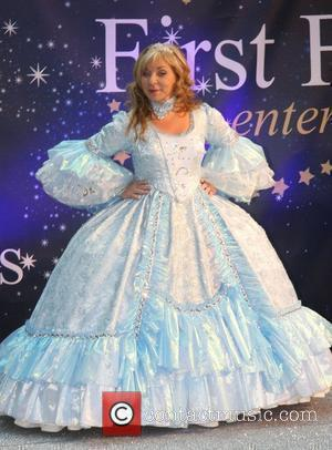 Helen Lederer Celebrities Promote Panto Season at the O2 Centre - Photocall London, England - 19.11.08