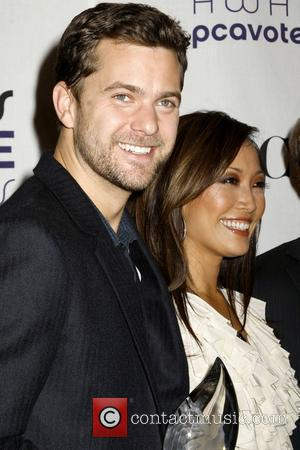 Joshua Jackson and Carrie Ann Inaba