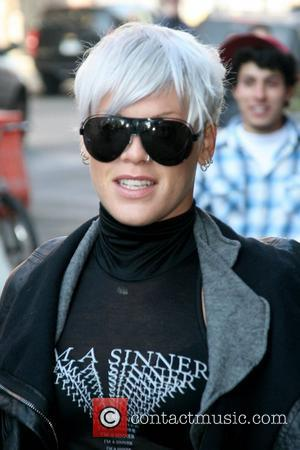 Pink Offers Cash To Homeless Aussies