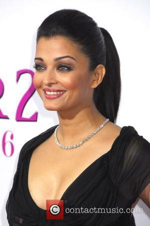 Aishwarya Rai Bachchan New York Premiere of 'The Pink Panther 2' at the Ziegfeld Theater - Arrivals New York City,...