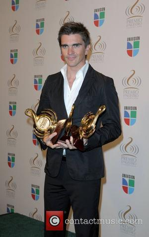 Juanes Honoured With Colombian Peace Prize