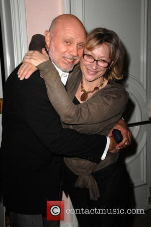 Hector Elizondo and Gayle Nachlis