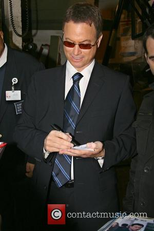 Gary Sinise leaving ABC Studios after appearing on 'Live with Regis and Kelly' New York City, USA - 07.10.08