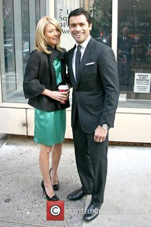 Kelly Ripa and Mark Consuelos leaving ABC Studios New York City, USA - 24.11.08