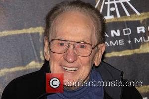 Guitar Great Les Paul Dead At 94