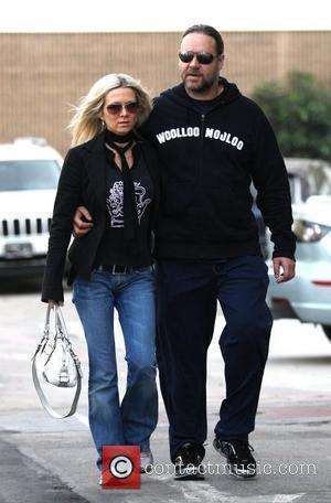 Danielle Spencer and Russell Crowe  out and about in Beverly Hills on Black Friday Los Angeles, California - 28.11.08