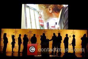 Atmosphere, Adrien Brody, James Franco, Mary-kate Olsen, Meg Ryan, Parker Posey, Robert De Niro, Spike Lee, Uma Thurman, Whoopi Goldberg and Woody Allen