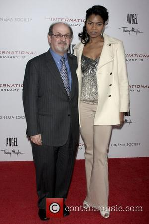 Salman Rushdie and Pia Glenn at Cinema Society Hosts a Screening of 'The International' - Arrivals New York City, USA...