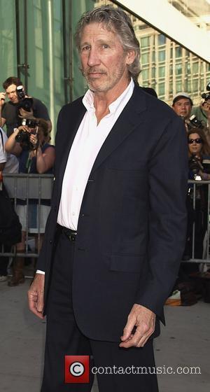 Roger Waters, Tom Hanks