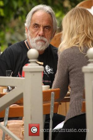 Tommy Chong comedian eating lunch at Le Pain Quotidien in Brentwood Los Angeles, California - 25.11.08