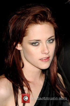 woman stupor smile burnout kristen stewart twilight