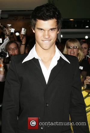 Taylor Lautner Los Angeles Premiere of the film 'Twilight' held at Mann Village Theater California, USA- 17.11.08