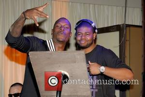 Tyrese Gibson and Guest Birthday celebration for Tyrese at Karu & Y Lounge  Miami, Florida - 26.12.08