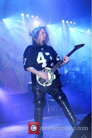 Tributes Pour In For Dead Slayer Guitarist Jeff Hanneman