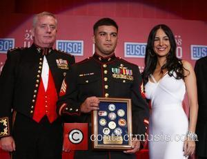 Mayra Veronica (r) and honorees 67th annual USO World Gala honoring military heroes and outstanding volunteers Washington DC, USA -...