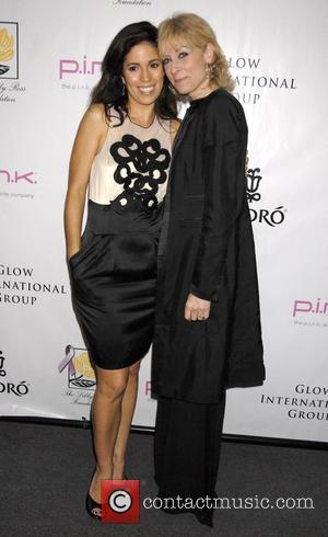 Ana Ortiz and Judith Light