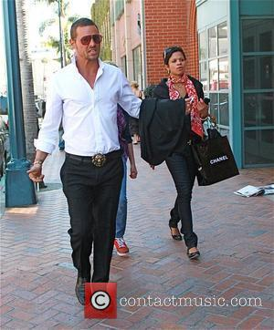 Justin Chambers shopping on Rodeo Drive with his family Beverly Hills, California - 28.10.09