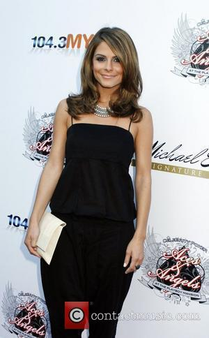 Maria Menounos Aces and Angels Celebrity Poker held at the Playboy Mansion - Arrivals Los Angeles, California - 11.07.09