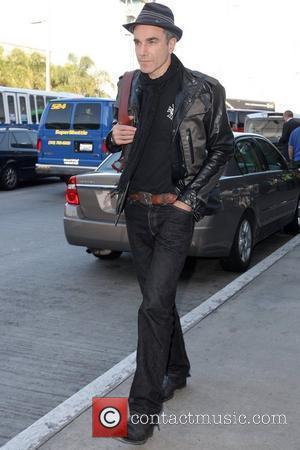 Daniel Day-Lewis arriving at LAX airport while wearing a Ben Sherman hat Los Angeles, California - 18.11.09
