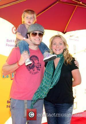 Nicole Sullivan & Family 2009 P.S. Arts Express Yourself event held at Barker Hanger Santa Monica, California - 15.11.09