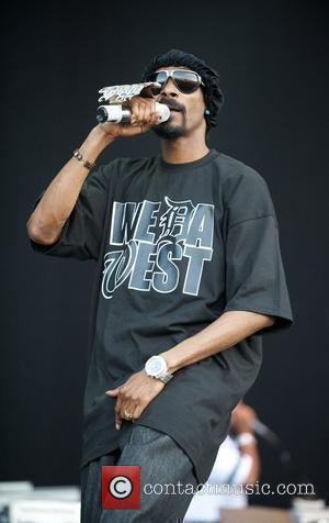 Snoop Dogg To Raise Cash For Youth Centre