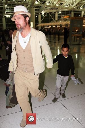 Pitt & Jolie Meet Iraqi Refugees In Syria