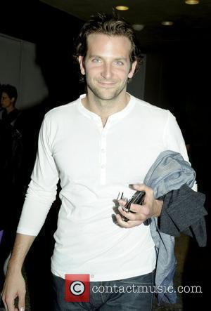 Bradley Cooper, Mtv and Times Square