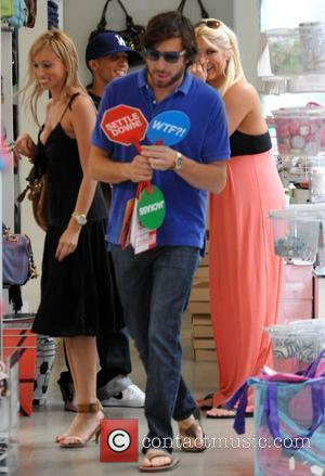 Brooke Hogan does some shopping in Kitson with friends Los Angeles, California - 18.06.09