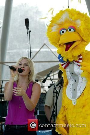 Natasha Bedingfield and Big Bird From Sesame Street