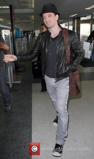 JC Chasez arrive at LAX to catch a flight Los Angeles, California - 04.12.09