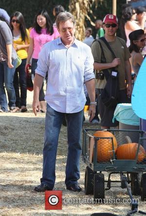 Tim Allen and Jane Hajduk take their daughter Elizabeth to Mr. Bones Pumpkin Patch Los Angeles, California - 24.10.09