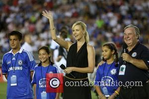 Charlize Theron Chelsea v Inter Milan at the Rose Bowl Pasadena, California - 21.07.09