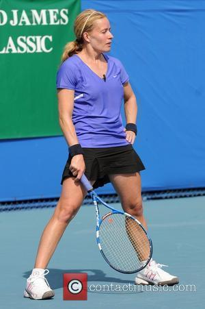 Elizabeth Shue  The Chris Evert/Raymond James Pro-Celebrity Tennis Classic Pro-Am at the Delray Beach Tennis Center  Delray Beach,...