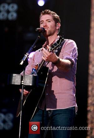Country Star Turner To Be Dad For Third Time
