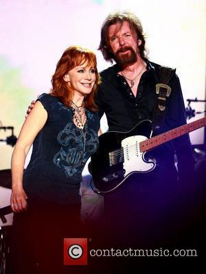 Reba Scores A Second Number One, Scores Country Music Chart History