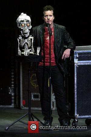 Jeff Dunham and 'Achmed the Dead Terrorist' Comedian ventiloquist Jeff Dunham performing live in concert at the State Theatre. Sydney,...