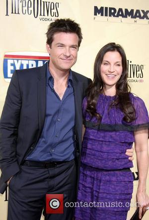 Jason Bateman and Guest The premiere of 'Extract' held at the ArcLight Theater - Arrivals Los Angeles, California - 24.08.09