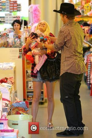 Heidi Montag and Spencer Pratt filming a scene for 'The Hills' at Kitson Kids boutique on Robertson Boulevard Los Angeles,...