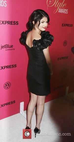 selena gomez fashion. Selena Gomez