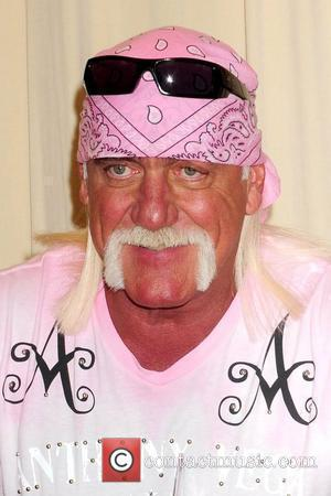 Hogan Returns To Wrestling